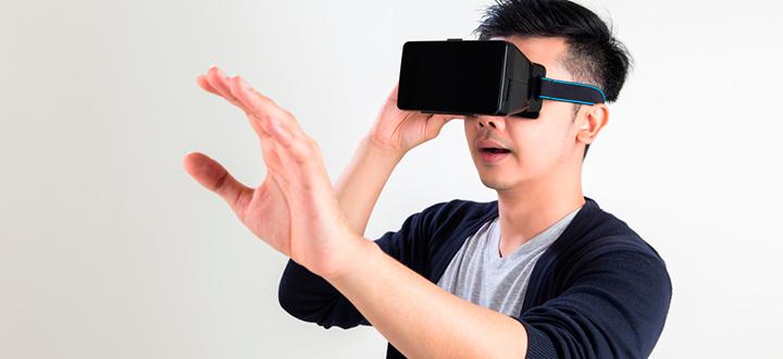 Успех VR: Геймеры Японии сидят в очередях, чтобы получить устройство по предзаказу