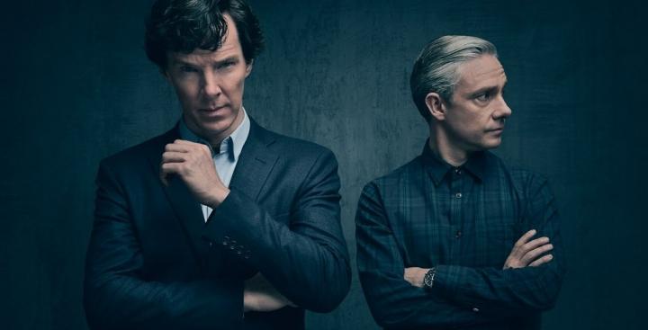 Постеры и кадры сериалов: «Шерлок», «РадиоВолна», «Завтра не наступит», «Супергёрл», «Изумрудный город»